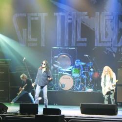 Led Zeppelin promotes video of 2007 concert