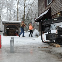 Mainers deal with ice storm power loss as winds pick up