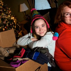 Join Central Maine Power Co.'s mitten drive