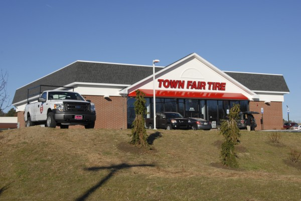 Town Fair Tire has opened a new service facility at 976 Stillwater Ave., Bangor. Equipped with six service bays, the facility will employ 15-18 people and will be open Monday through Saturday.