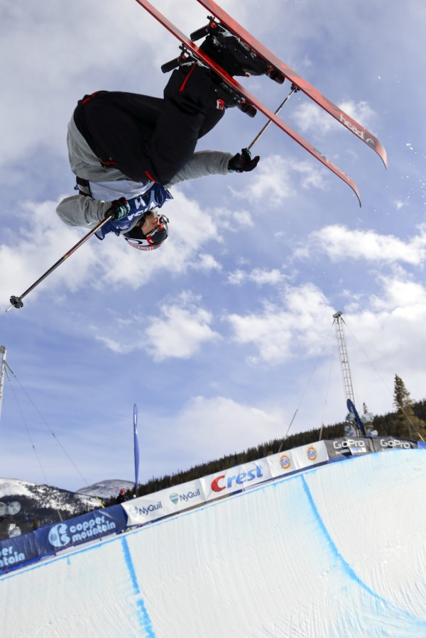 Simon Dumont of the United States skis during the Freestyle Skiing FIS World Cup-men's halfpipe qualifying round at Copper Mountain on Thursday. Dumont came in fifth place during the FIS Freestyle World Cup/Visa Grand Prix halfpipe event at Copper Mountain, Colo., this weekend.