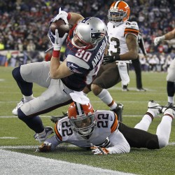 Browns overpower Patriots 34-14
