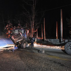 Man killed, two injured in Clifton pickup-logging truck collision