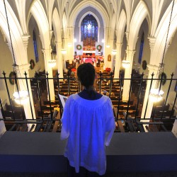 Christmas Eve worshippers urged be grateful for Christ's sacrifices