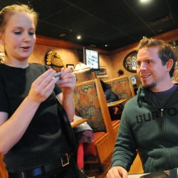 Traveling big tipper follows Portland visit with $500 gratuity for waitress in N.H.