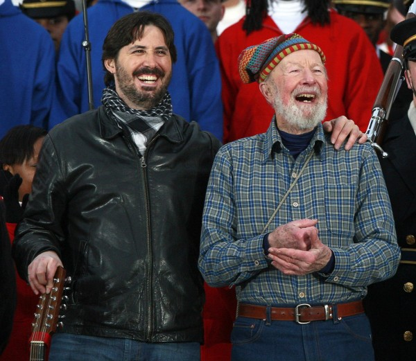 Pete Seeger and his grandson Tao, left attend the We Are One: Inaugural Celebration at the Lincoln Memorial in Washington in this January 18, 2009 file photo. American folk musician Pat Seeger died late January 27, 2014 at a hospital in New York, according to family members.