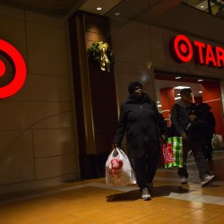 Target breach aftermath: 'credit card system is inherently broken'