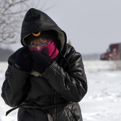 Deep freeze grips US, disrupting travel, business