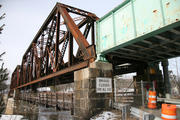 'A couple of chunks had fallen off': Safety check reveals need to repair bridge between Brunswick and Topsham