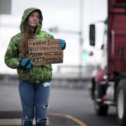 Residents file civil rights lawsuit against Portland over ordinance that restricts panhandling