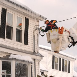 Maine electric prices to drop for standard offer