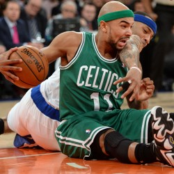 Anthony scores 36 as Knicks beat Celtics in playoff opener
