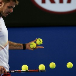 Djokovic delivers, Sharapova ruthless on opening day