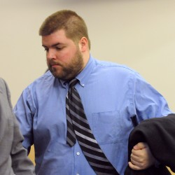 Vermont caseworker pleads not guilty to having sexual contact with Maine girl