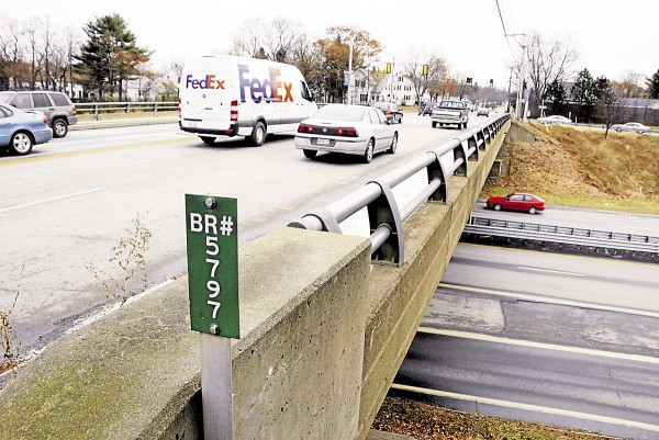 Traffic flows across and beneath the Union Street overpass above Interstate 95. The Maine Department of Transportation had budgeted $8.85 million to replace the overpass in a construction method similar to that used for replacing the Hammond Street overpass a few years ago.