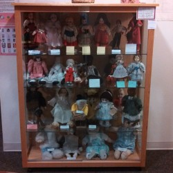 Mainely Dolls Club display at Maine Discovery Museum.