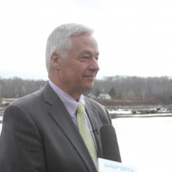 Mike Michaud can stand up for papermakers and Maine's high-tech future