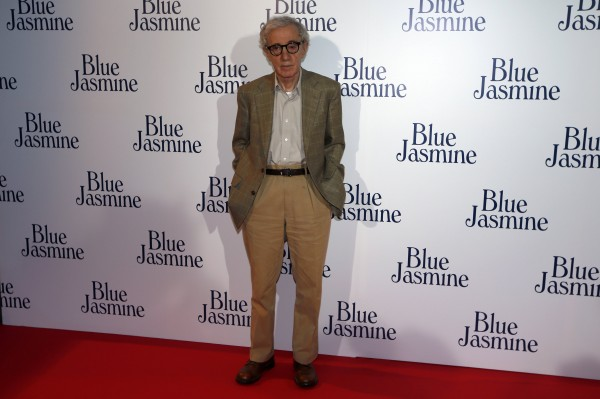 U.S. director Woody Allen poses during the premiere of his film &quotBlue Jasmine&quot in Paris in this August 27, 2013 file photo. State prosecutors in Connecticut do not have an open investigation of Woody Allen, a spokesman said on February 3, 2014, after the filmmaker's adult adopted daughter renewed allegations that he sexually abused her at age 7.