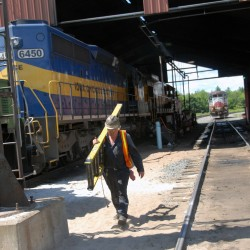 Canadian authorities holding up sale of bankrupt Maine railway