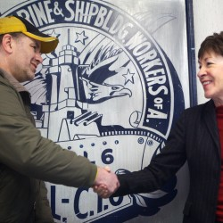 Maine shipbuilder union approves new contract