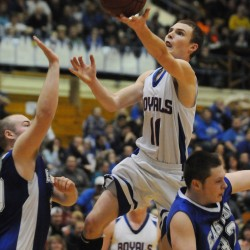 Garet Beal tackling challenging transition of Beals Island to UMaine on and off the court
