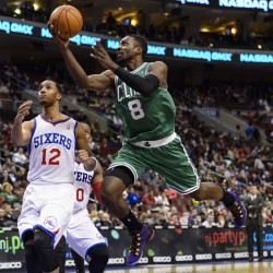 Rondo helps Celtics past 76ers