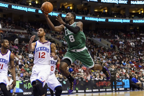 Boston Celtics forward Jeff Green (8) shoots during the third quarter against the Philadelphia 76ers at the Wells Fargo Center in Philadelphia Wednesday night. The Celtics defeated the Sixers 114-108.