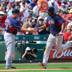 Red Sox place outfielder Victorino on 15-day DL