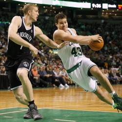 Pierce, Garnett return to Boston, helps Nets beat Celtics