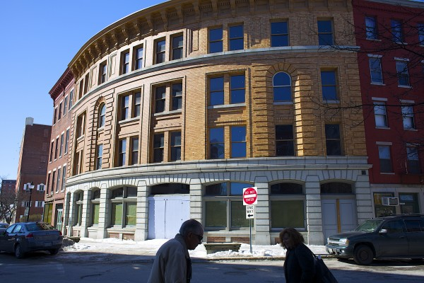 The long-vacant &quotcurved building&quot at 25-27 Broad Street may finally have a developer who plans to renovate the building into retail space and apartments. The deal is now up for Bangor's city council approval.