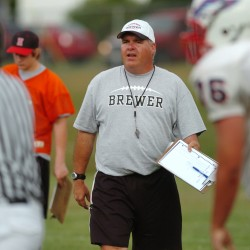 Brewer coach resigns