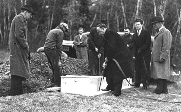 The belief persists in Bangor that gangster Al Brady lies in a pauper's grave. Authorities found more than $1,400 in the slain gangster's leather money belt; that sum more than paid for a proper burial for Brady in an unmarked grave at Mount Hope Cemetery's Public Grounds on Oct. 15, 1937.