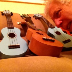 Frets Halligan and his loaner ukes.