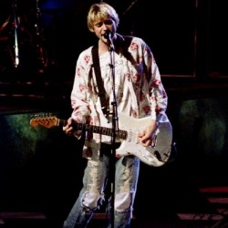 Kurt Cobain's hometown weighs naming bridge after him