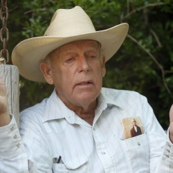 Rebellious Nevada rancher's slavery remarks dim support from Republicans