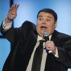 Manic comic Jonathan Winters dies at 87