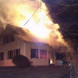 Boarding house burns in Kennebunk