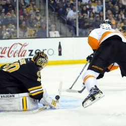 Thornton scores twice for Bruins