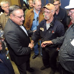 Lawmakers pass bill aimed at restarting East Millinocket paper mill; awaits LePage's signature