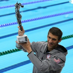 Thorpe ends retirement, looks to 2012 Olympics