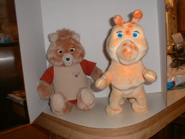 Teddy Ruxpin, a &quottalking&quot bear, and his caterpillar friend Octopedes are scene in this 2006 photo. Ken Forsee, who invented Teddy Ruxpin, died March 19, at 77.