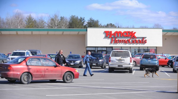Police are investigating a robbery that happened at the Maine Savings Federal Credit Union on Broadway in Bangor Thursday.
