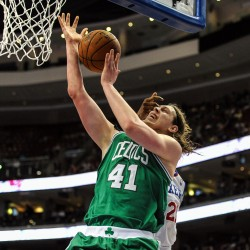 Rondo, Garnett lead Celtics past 76ers in series opener