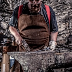 Bond forged over blacksmithing at UMaine