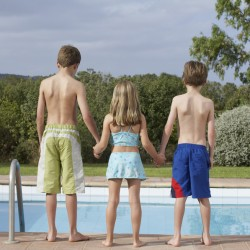 Tips for following portable pool safety practices this summer