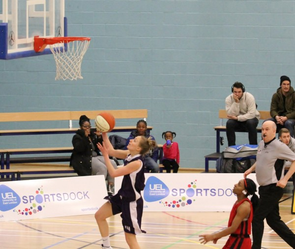 Katie Bergeron puts in a layup for Leeds Carnegie.