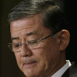 Shinseki tours VA Center at Togus