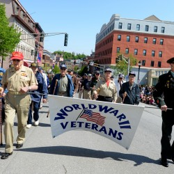 Families applaud, shout thanks to vets at Memorial Day parade in Bangor