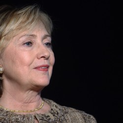 On eve of book tour, Hillary Clinton causes flap by saying she 'struggled' with money