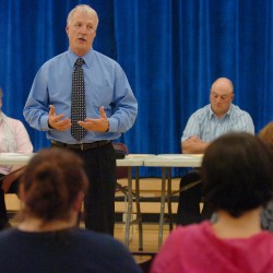 Monson board urges RSU 68 to propose 'zero budget' increase for 2013-14